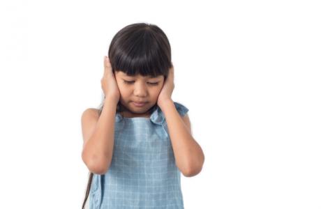 Kompleks odstających uszu u dzieci operacja plastyczna Derm Estetyka